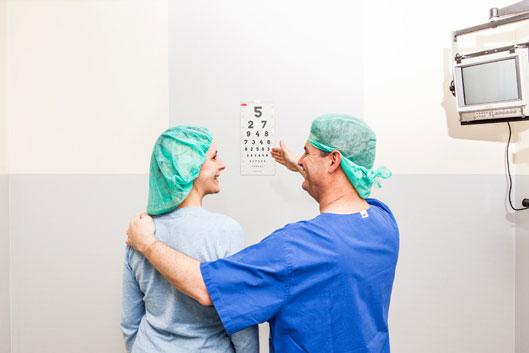Sie können bei uns einen gratis Augenlaser Test durchführen.