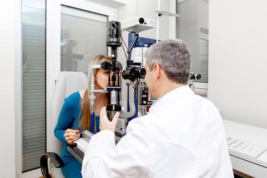 Egal ob Behandlung oder Diagnose, in unserer Augenarztpraxis auf der Oststrasse sind Sie richtig.